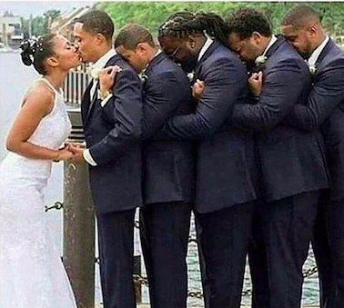This man is paralyzed and his friends held him up so he could kiss his bride on their wedding day Via:  wifey.vibe #weddings #weddinginspo #heartwarmingpic.twitter.com/80xSUYPanI