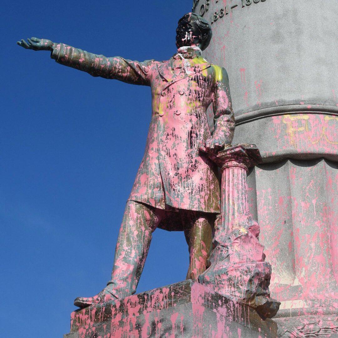 The Jefferson Davis statue was torn down tonight. Richmond, VA. 6/10/20