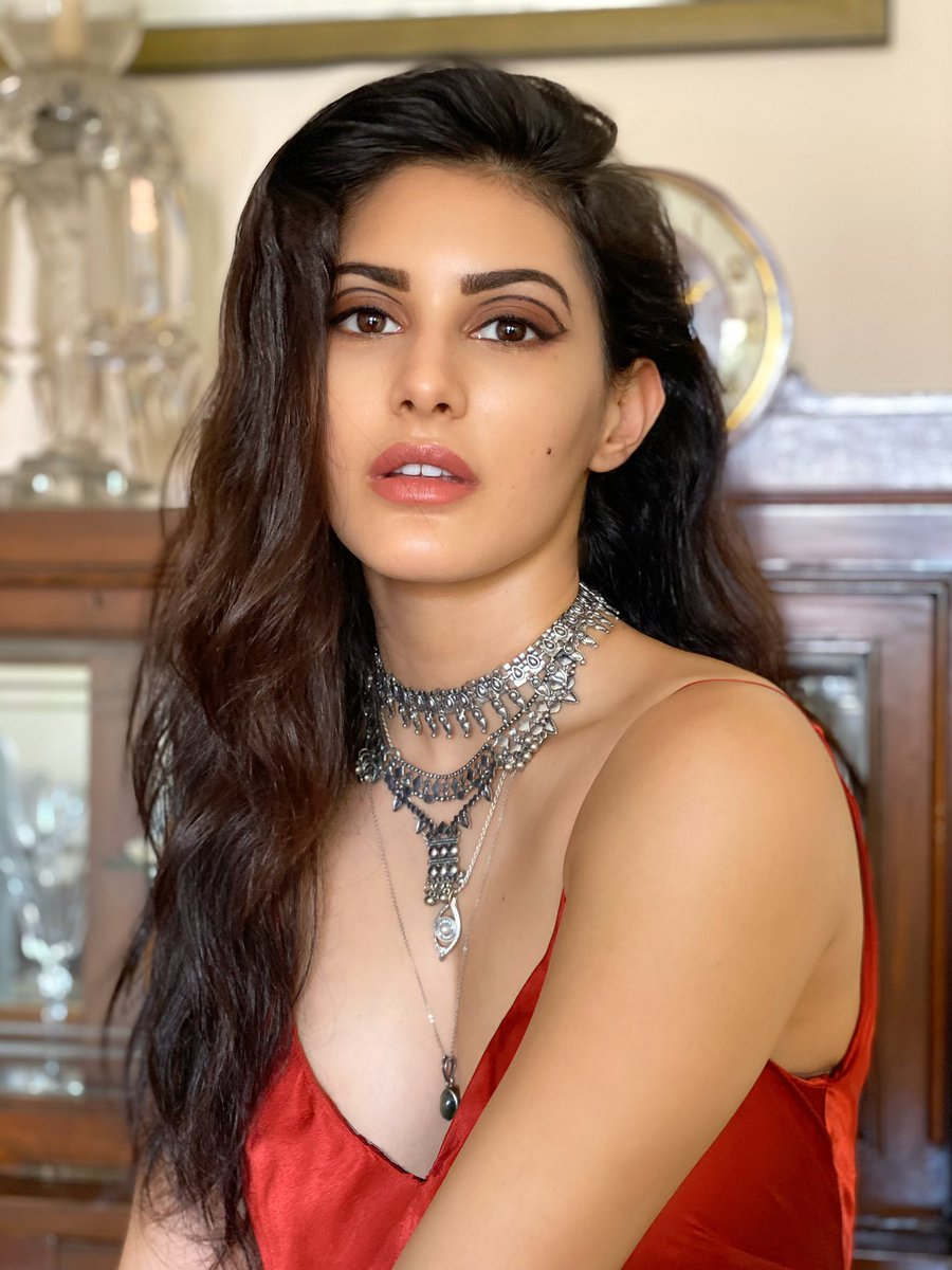 """Amyra Dastur on Twitter: """"Just another afternoon in #lockdown 🥀… """""""