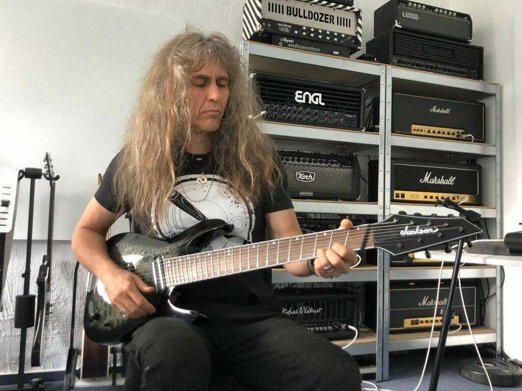 More guitars  to play. @officialjacksonguitars sent over a #jacksonsoloist #8stringguitar with #fannedfret fretboard. No bassplayer needed anymore . #axelritt #ironfinger #the_real_ironfinger @engl_amplification @kochamps @hughesandkettner @ampete… https://www.instagram.com/p/CBSUxKtn2jo/?igshid=rr5fj6w4v4nx…pic.twitter.com/I4eBS5SsIZ