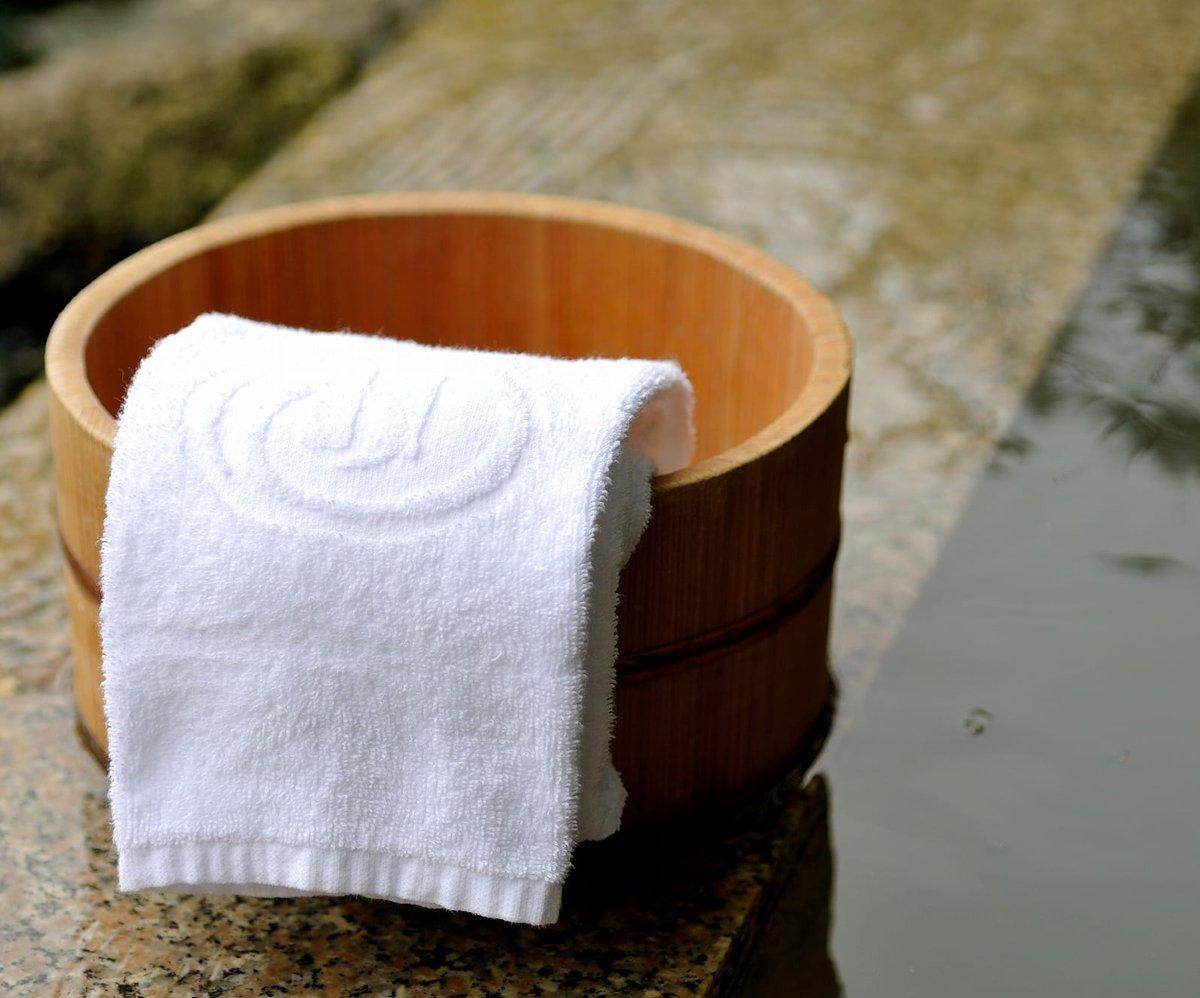 明日12日よりホテル1階 天然温泉大浴場 内風呂の営業を再開します♨️お客様の健康と安全を最優先に、一度のご利用人数を制限させていただきます。ご宿泊やゴルファーの方はもちろん、日帰り入浴や、レストラン営業日にお食事をされると無料入浴も!  #ヒルトンニセコビレッジ#ニセコ#温泉 https://t.co/KAOw5iZy4W