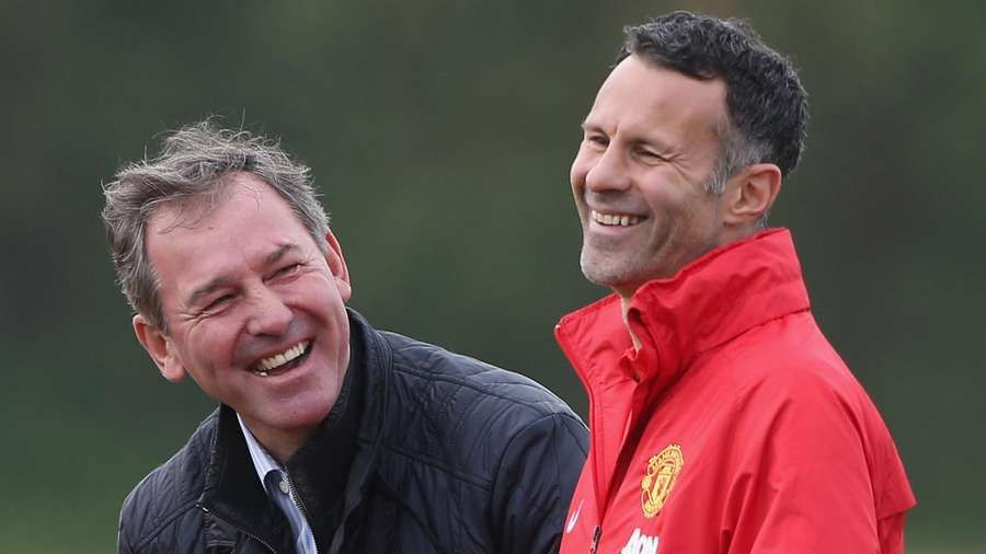 Ryan Giggs recalls Bryan Robson car prank in UTD Podcast 😅 https://t.co/zPNW6QqaYf . #mufc #ggmu #manchesterunited #manutd #ryangiggs #giggsy #bryanrobson https://t.co/0hP3ZkLk80