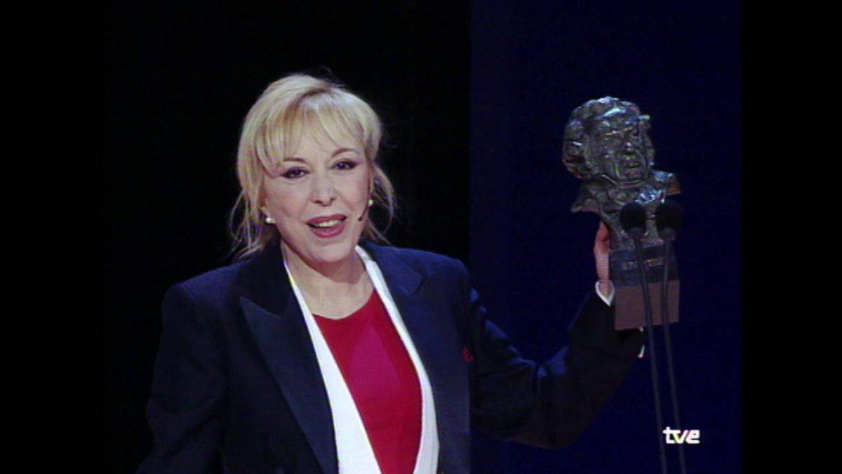 Fallece en Barcelona a los 78 años la actriz e inolvidable presentadora de los @PremiosGoya Rosa Maria Sardà. Ganó dos goyas como Mejor Actriz de Reparto, por Sin vergüenza y ¿Por qué lo llaman amor cuando quieren decir sexo? Recibió en 2010 la Medalla de Oro de la Academia. https://t.co/SKuZnamL28