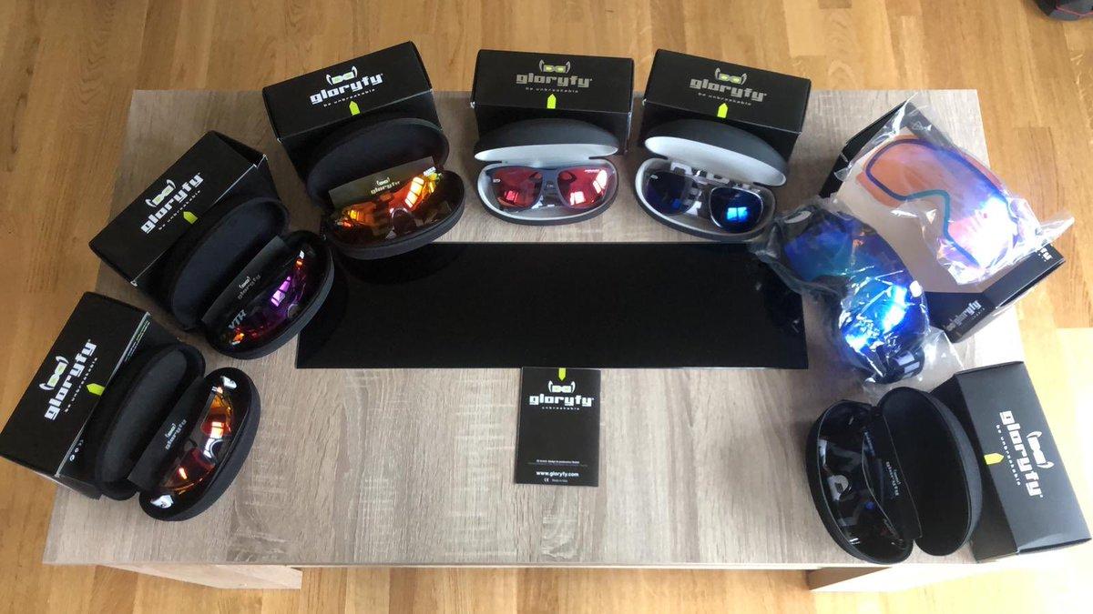 Muchísimas gracias a @gloryfy_eyewear por estas increíbles gafas! A lot of thanks to @gloryfy_eyewear for these amazing glasses!