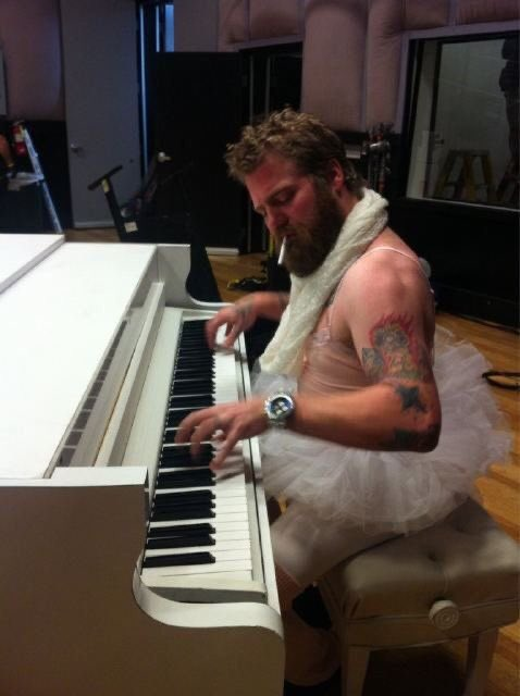 Happy Birthday Ryan Dunn. Jackass 4 isnt gonna be the same without you