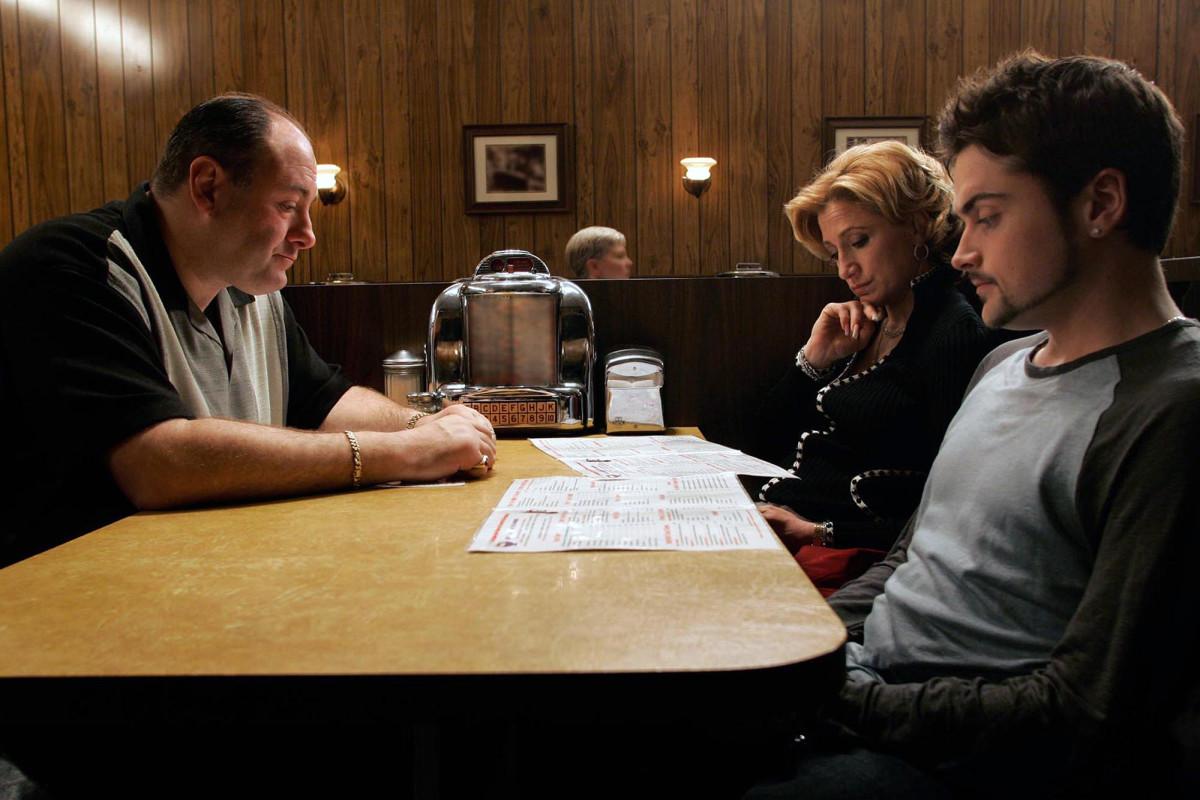 Did Tony Soprano die? Sopranos creator accidentally spoils final scene trib.al/ygo38ou