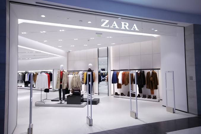 One of the world's leading apparel retail brand #ZARA has closed 1,200 of their stores located in different cities/countries around the world. The pandemic is causing thousands of stores to shut down this year  #Zara #ZaraStores #ZaraFashion #CoronavirusOutbreak #Coronaviruspic.twitter.com/hgoezbtLoJ
