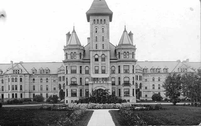 Consider this - In 1890, the Fergus Falls State Hospital for the Insane in Minnesota was built to relieve overcrowding at the other three State Hospitals. It too became overcrowded.  Today, Minnesota has just one small 110 bed mental hospital. Think about it. https://t.co/fUNTEsjWlO