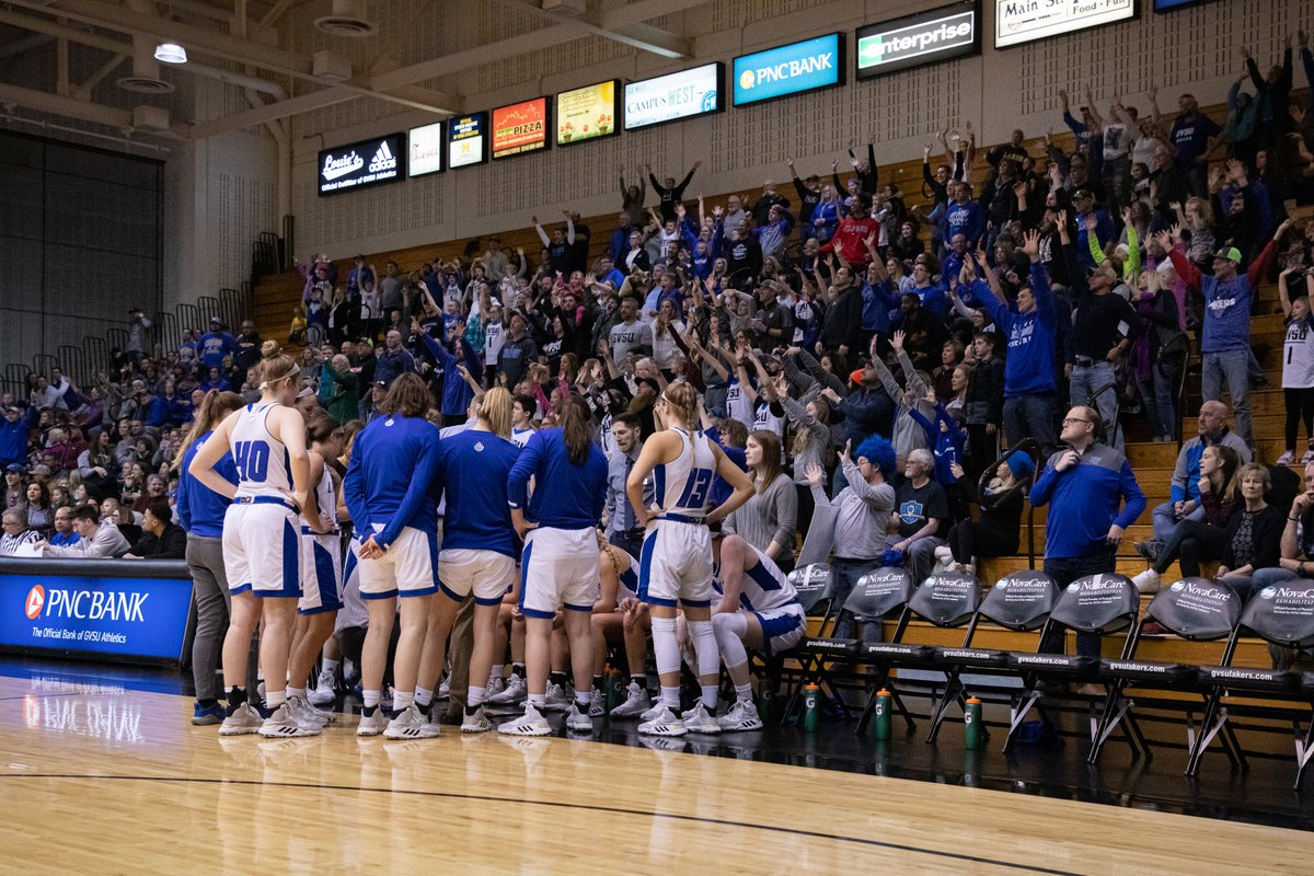 For Throwback Thursday presented by @PNCBank, we take a look back at the awesome crowd we had for Kids Day earlier this season. Looking forward to the time we can play in front of a packed arena once again.   #AnchorUp 🏀 https://t.co/oLx2EB7hMd
