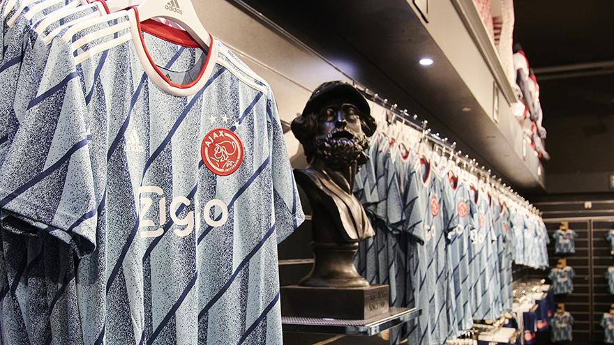 Let's have a look! 😎  ‣ Ajax Fanshop @CruijffArenA ‣ Ajax Fanshop Kalverstraat  ‣ Ajax Fanshop Bataviastad   #ReadyForSport #ForTheFuture https://t.co/Xk6K1XIJ9z