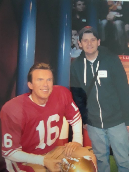 Happy Birthday to S.F. 49ers QB  Joe Montana! Love this Throwback Thursday photo. Have a wonderful weekend!