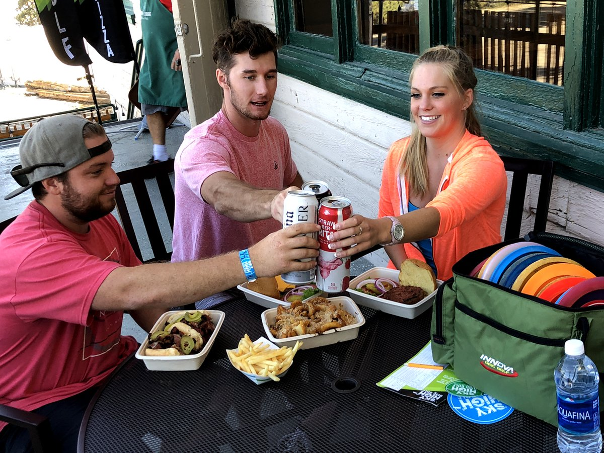 Food is now being served at the North Lodge Grille & Pub. Jucy hamburgers, hot dogs, pizza, ice cream and more. Please practice social distancing and be prepared to wear facemasks when not eating.  Click here to learn more. https://t.co/mIvXq8IBPx #mthigh #the_sky_high_dgc https://t.co/TmwkwkiRH2