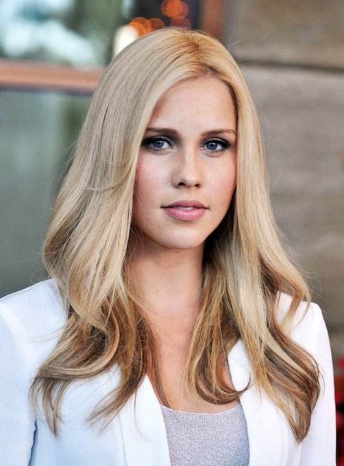 Happy Birthday to Claire Holt who turns 32 today!
