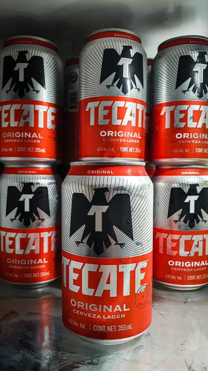 Hoy presentamos una clásica   🍺 Tecate Original 🏷 Lager 🥴 4.5% Alc. Vol. 💧 355ml 📍 Monterrey, N.L  💸 $15 mxn aprox. © LordCerveza . . #Tecate#Tecaterojo#tkt#tktrojo#Tecateoriginal#beer#cerveza#pistear#Monterrey#cerveceríacuauhtémoc#lordcerveza https://t.co/uXO1pETVH9