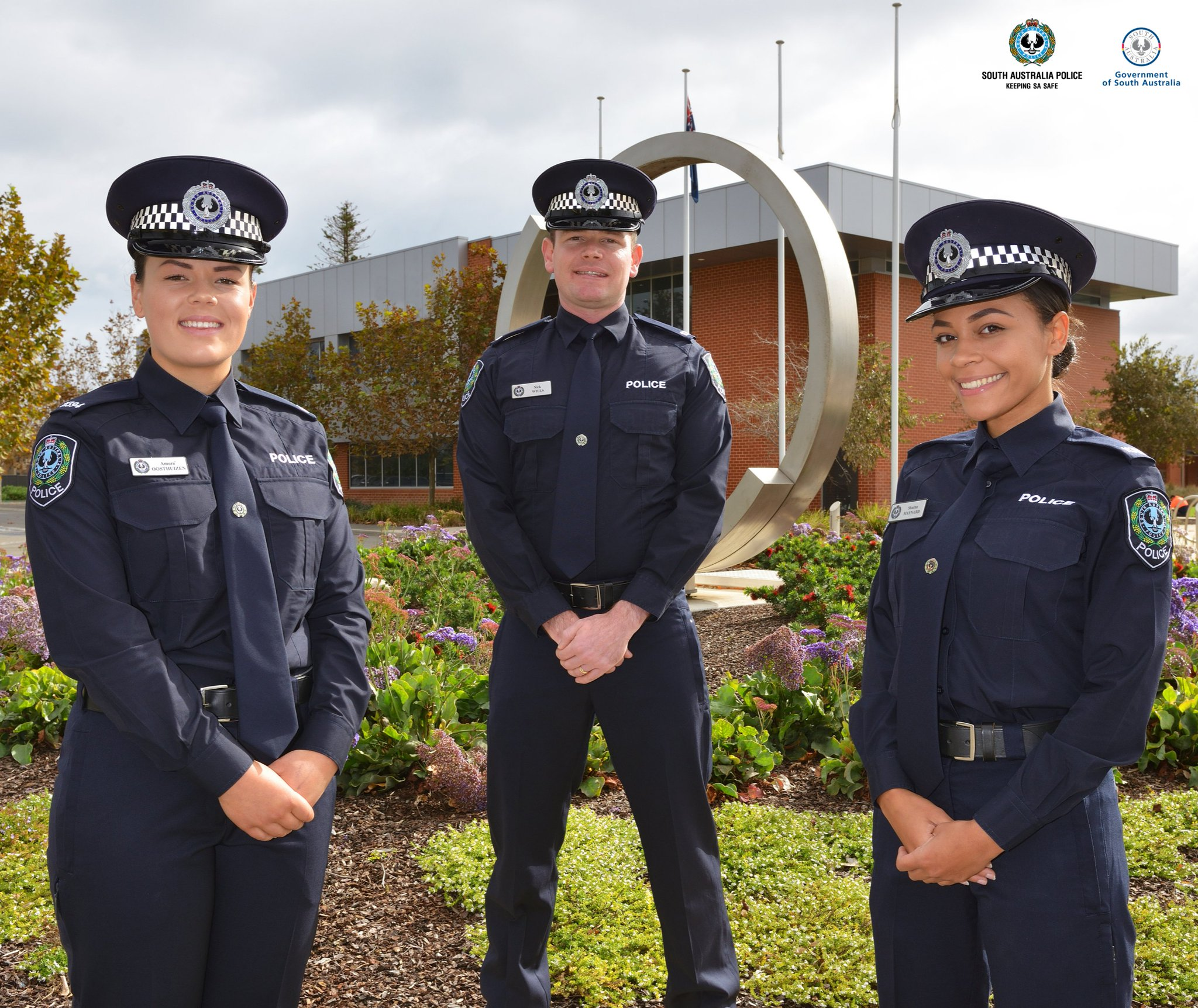 """South Australia Police on Twitter: """"Today, South Australia Police welcomes  26 new Probationary Constables, as Course 42 graduates from the Police  Academy at Taperoo. View the full story here: https://t.co/jz75qVEb5F…  https://t.co/NsjQdWH1wx"""""""