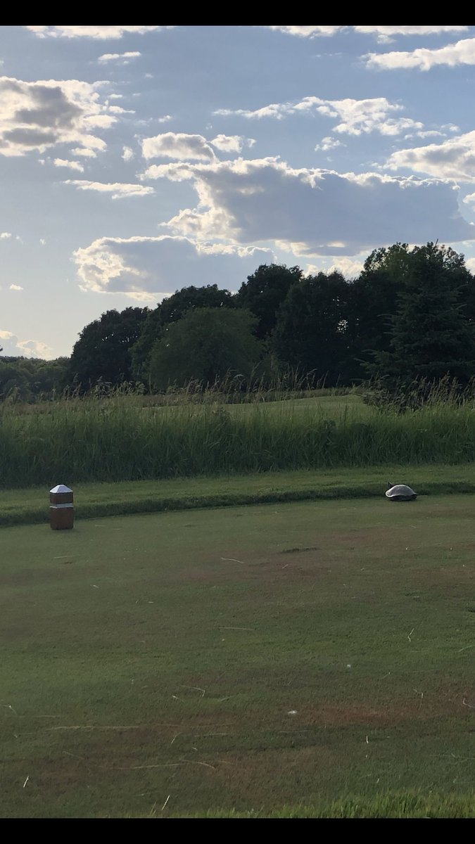 Hey @PurdueGolf, I have to complain about the slow play tonight. Otherwise a beautiful course and perfect weather. #BoilerUp @LifeAtPurdue https://t.co/awlKmjh5MX