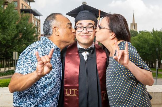 We really can't get enough of these joy-filled graduation pics, #UTGrad20. There's no doubt these Longhorns are going to change the world! https://t.co/onUNvtIpK5