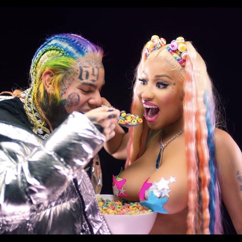 Nicki Minaj Tits