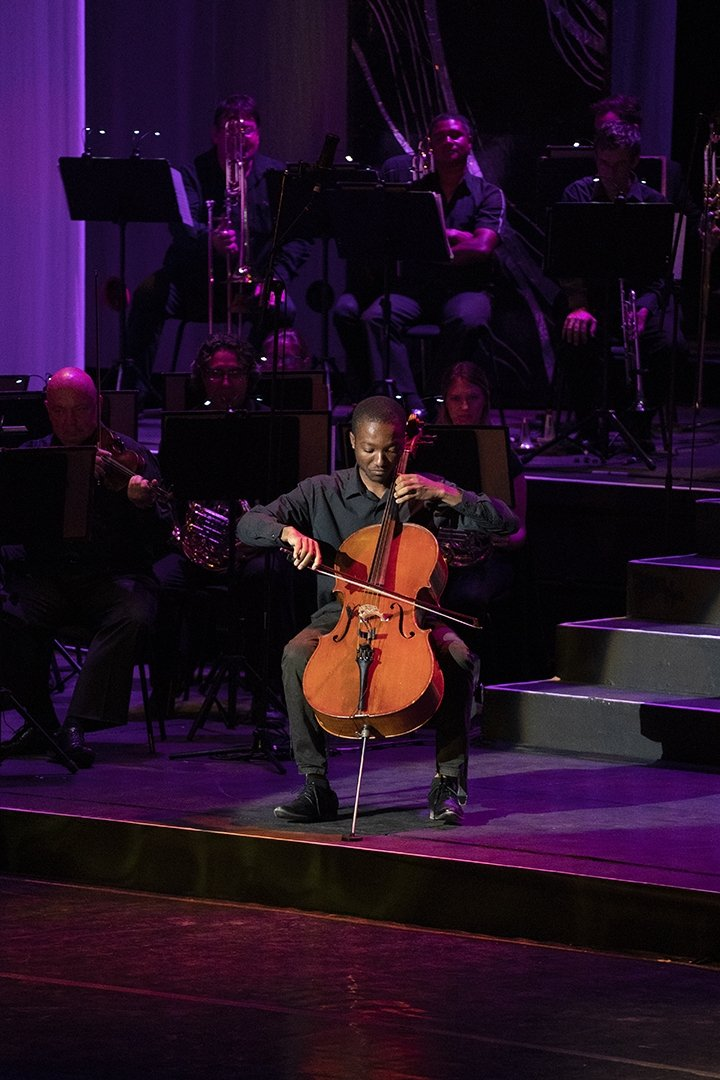 Reminder: Youth Day   In celebrating Youth Day 2020, Artscape in association with Fine Music Radio will broadcast a repeat of the 2019 Western Cape Youth Classical Festival.   The show starts at 1:00pm on 16 June 2020 on FMR!  Visit https://t.co/ceDJLvYnJx and click LISTEN LIVE https://t.co/Q9Vc1WENFx