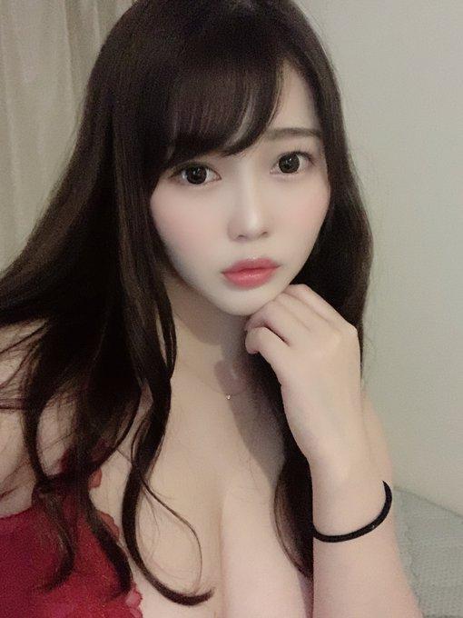 グラビアアイドル伊川愛梨のTwitter自撮りエロ画像30