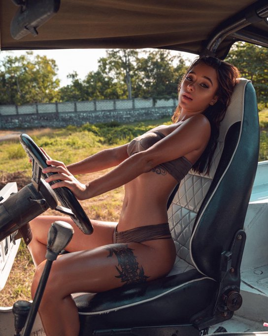 2 pic. Do you need a ride?) https://t.co/G3OUZD6Q3V