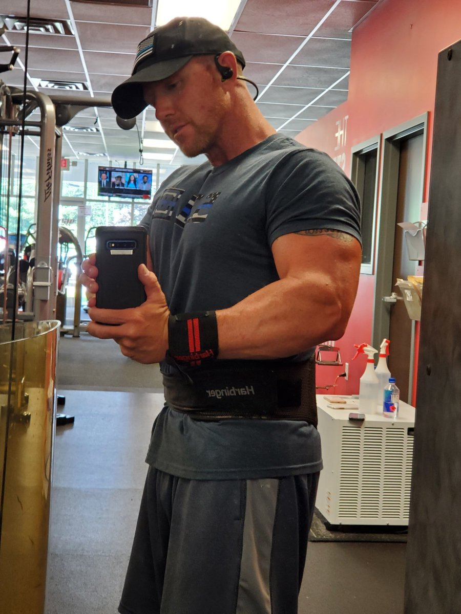 Its Friday, which means #flexfriday!!!! <br>http://pic.twitter.com/WInvLrTQ4x