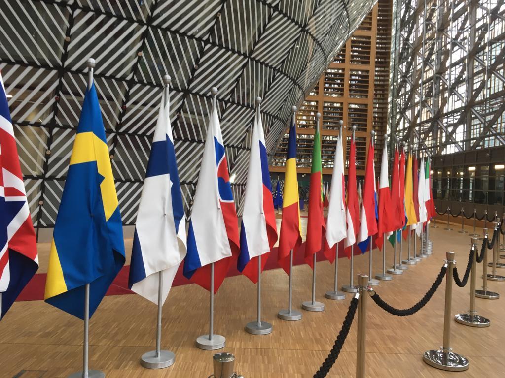 Euroopan komissio julkaisi 27.5. historiallisen elpymispaketin, josta EU-ministerit tänään keskustelevat.   Komissio tavoittelee vähähiilistä ja digitaalista siirtymää ja haluaa tukea yrityksiä yli koronan aiheuttamien vaikeuksien.   #SuomiEU #COMPET #digitalisaatio #GreenDeal