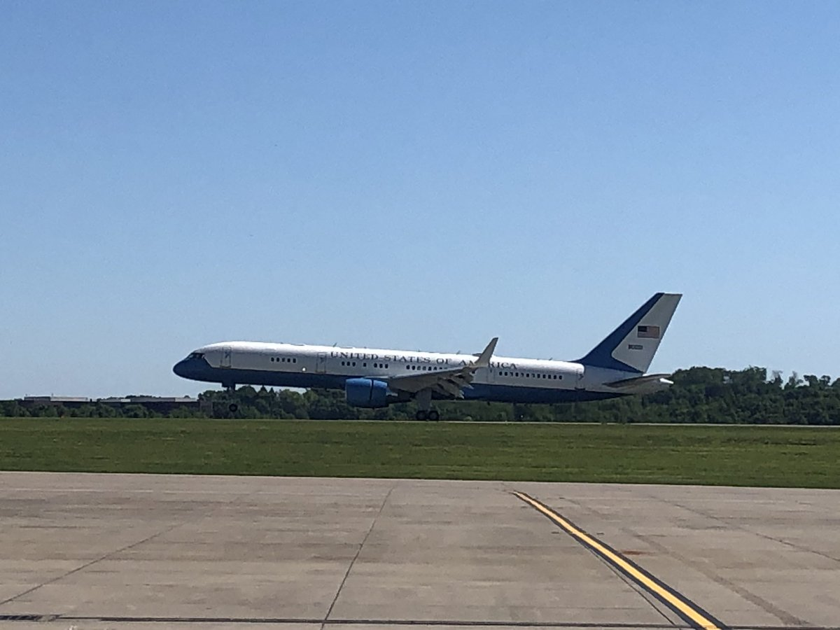 Wheels down VP Pence has just landed in Pittsburgh #wpxi