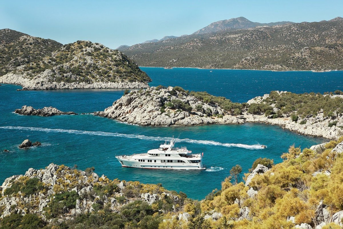 Have you ever wondered what it would be like to charter in #Croatia? We've asked some of the most experienced charter Captains in the #Burgess fleet to give us the inside scoop on the best cruising grounds, must-visit anchorages, beaches, and bays.  https://t.co/1nOWK0PkSF https://t.co/gpD7dHBnM3