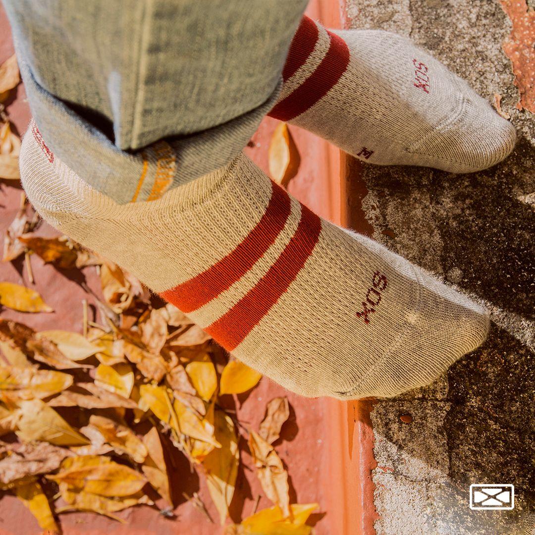 Seguí tu estilo con #underjeans   .⠀ Modelo: @tooto.uwu Fotógrafo: @photodiegowini⠀⠀⠀⠀ .⠀ #goforit #SOX #medias #calcetines #socks #sox #soxmedias #urbanas #stylishsocks #style #jeansstyle #streetwear #streetstyle #newsocks #fall #autumnstyle pic.twitter.com/JnyS46B9ov