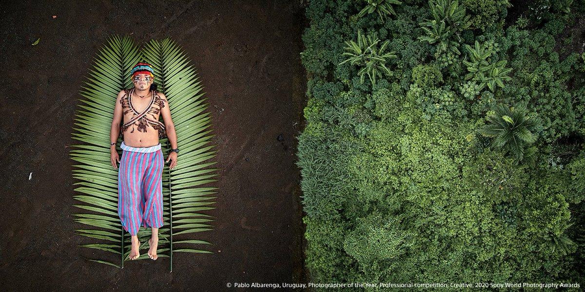 """De World Photography Organization heeft de winnaars van de Sony World Photography Awards 2020 aangekondigd. De titel Photographer of the Year is toegekend aan Pablo Albarenga uit Uruguay voor zijn serie """"Seeds of Resistance"""". Lees meer: https://t.co/HbJLAwOo6v https://t.co/auM57zBmkT"""