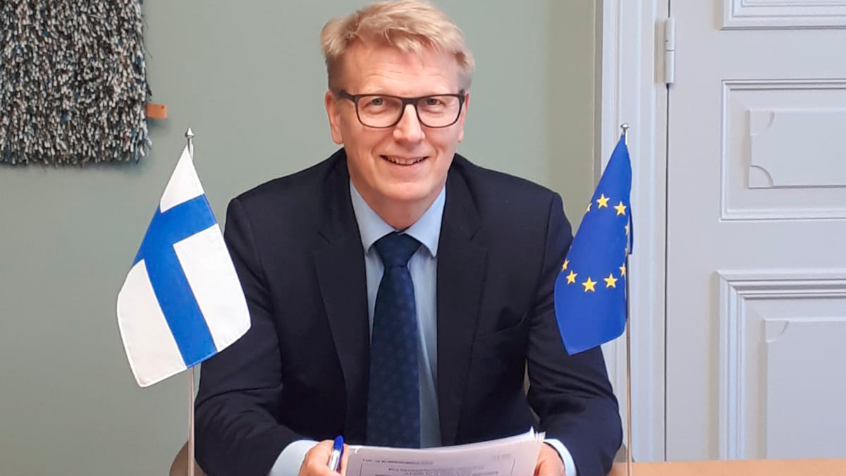 """""""The EU economy is suffering, and for an export-dependent country like 🇫🇮 it's important to ensure the vitality of our common market. Future solutions must be linked to the EU growth strategy and digital investments,"""" says State Secretary @Tiilikainen at today's #COMPET meeting."""