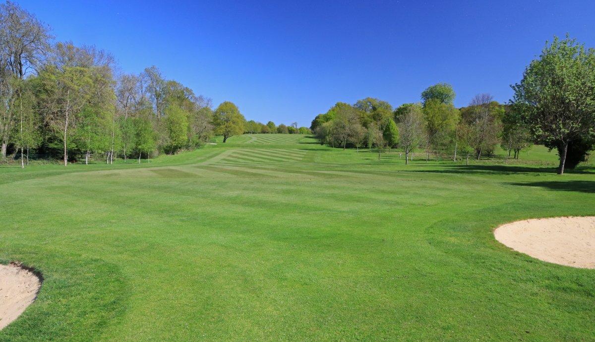 """The most important shot in golf is the next one."" – Ben Hogan #brookmansparkgolfclub #inspirationalgolfquotes #brookmanspark #golfing #golf #golfer #benhoganpic.twitter.com/nNdbFSi2EC"