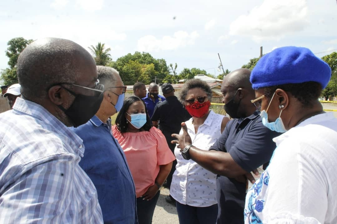 Those who insist on a path of criminality must be relentlessly pursued to the fullest extent of the law.  Today, MP Fitz Jackson, MP Natalie Neita, Councillor Venesha Phillips and I went out to Horizon Park to show solidarity with the JCF. https://t.co/XaaehVTxxr