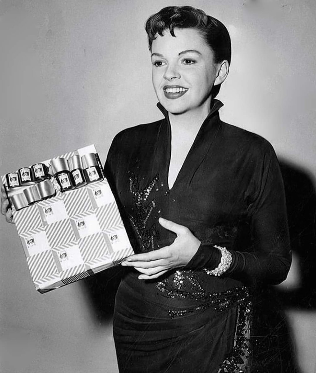 Judy Garland On Twitter This Photo Was Taken On December 22 1953 Judy Is Promoting Christmas Seals The Proceeds Went To The Los Angeles County Tuberculosis And Health Association For Their Anti Tb