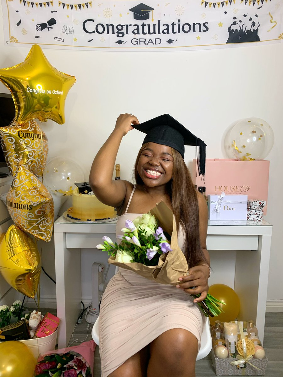 I'VE JUST COMPLETED A DEGREE FROM THE UNIVERSITY OF OXFORD!🎉😩  From losing my Dad (R.I.P angel),to having to leave Zimbabwe, learning English, attending disruptive state schools, working long ass hours @ McDonalds (to help my Mom) to now GRADUATING from Ox?  wow. I👏🏾did👏🏾THAT👏🏾 https://t.co/P5jOjtOpqQ