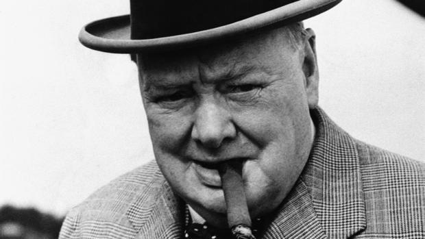 """""""No tiene sentido decir que lo hacemos lo mejor que podamos. Tienes que lograr hacer lo que es necesario"""". Winston Churchill #Fuedicho https://t.co/z6VxBXlPBO"""