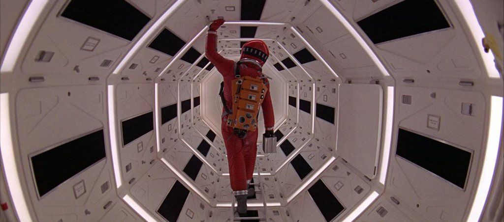 2001: A SPACE ODYSSEY (1968)   Cinematography by Geoffrey Unsworth Directed by Stanley Kubrick Explore more shots in our database: https://t.co/z8qbeAhwjA https://t.co/pK8c1g9ojQ