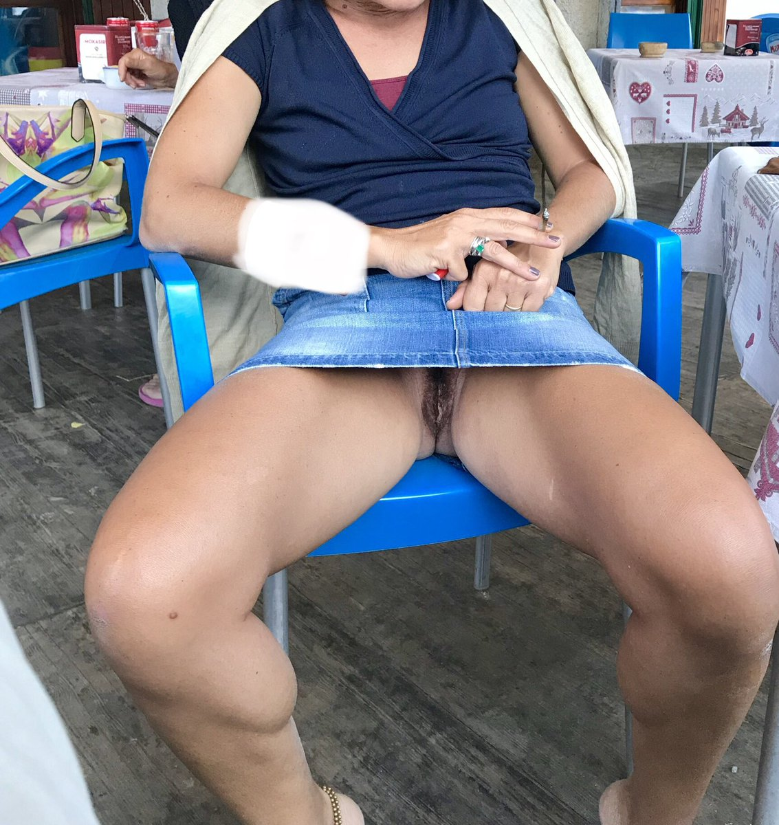 Twitter upskirt images.tinydeal.com: over
