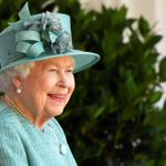 Image for the Tweet beginning: The Queen enjoying today's military