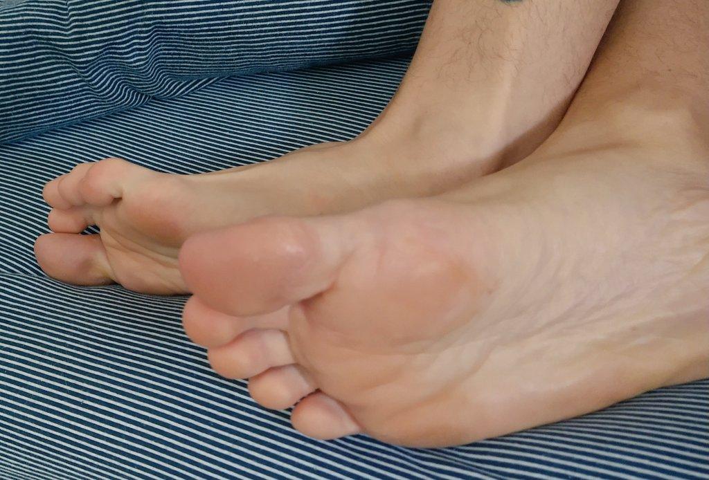 Teen feet porn
