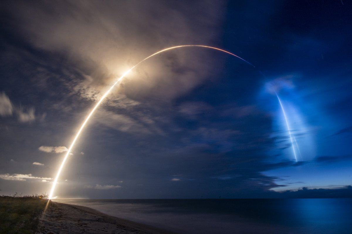 Falcon 9 launches 58 Starlink satellites and 3 @planetlabs Skysats to orbit before returning to Earth and landing on a droneship https://t.co/K6OjgJQZfv