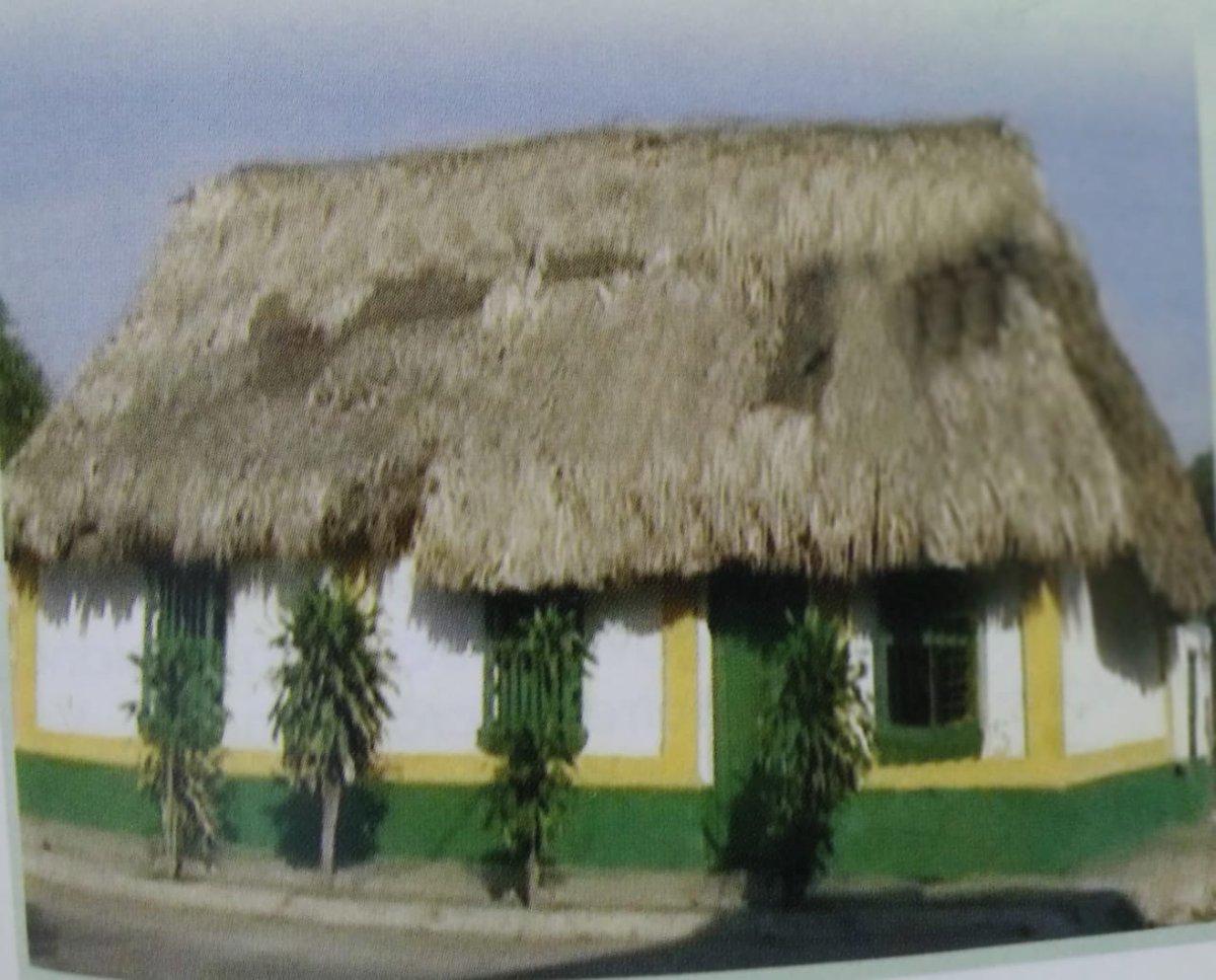 """Alejandro Rutto Ortega on Twitter: """"Esta es la última casa de bahareque de  Soledad(Atlántico), recuerdo vivo de una época en que todas las casas se  hacían con barro, bahareque y techos de"""