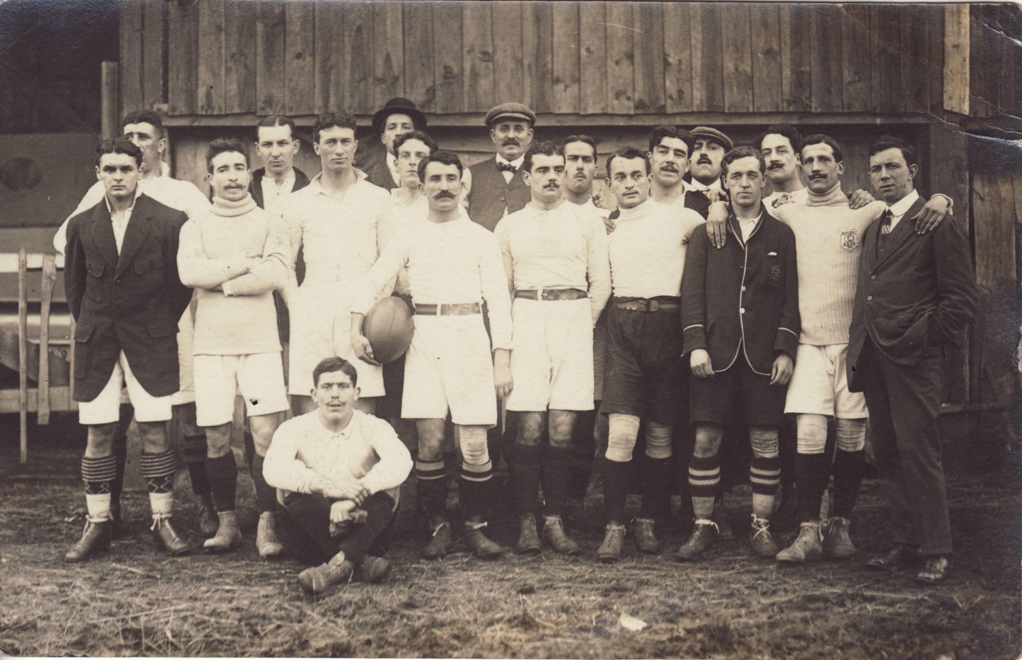 1911 - 7e titre de CDF de l'Union EaZ_SscWoAAoZmb?format=jpg&name=4096x4096