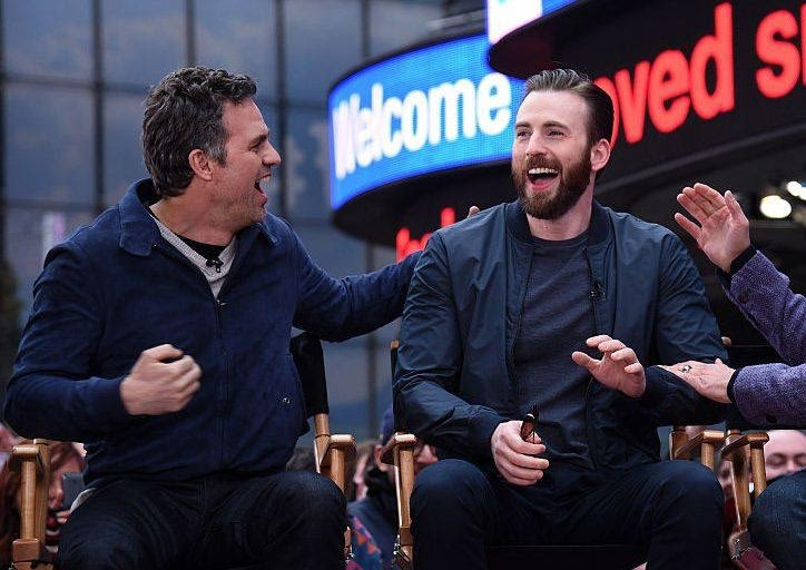 Happy birthday, @ChrisEvans! Wishing you all the best today, bro 🎂