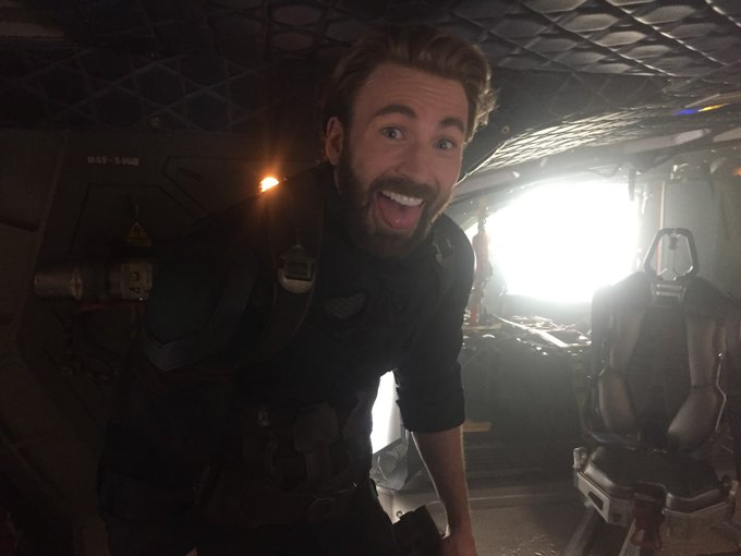 HE\S JUST....SO CUTE...I CANT   Happy Birthday Chris Evans!!