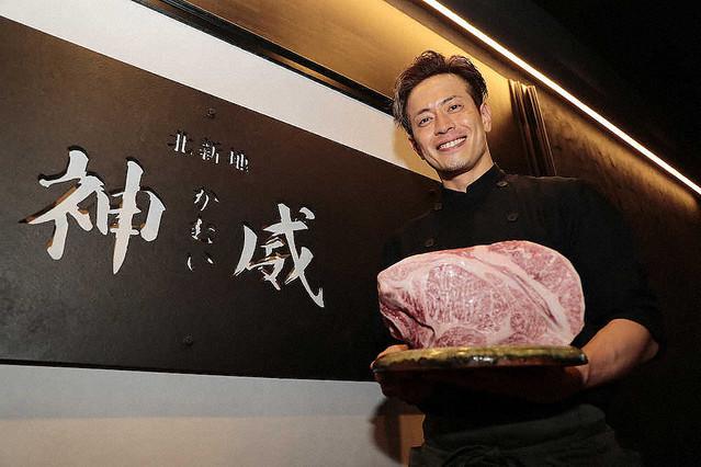 【一度は行きたい】純烈元メンバー友井雄亮が再出発!!焼き肉店の口コミ評判は?さらにメニューも調査