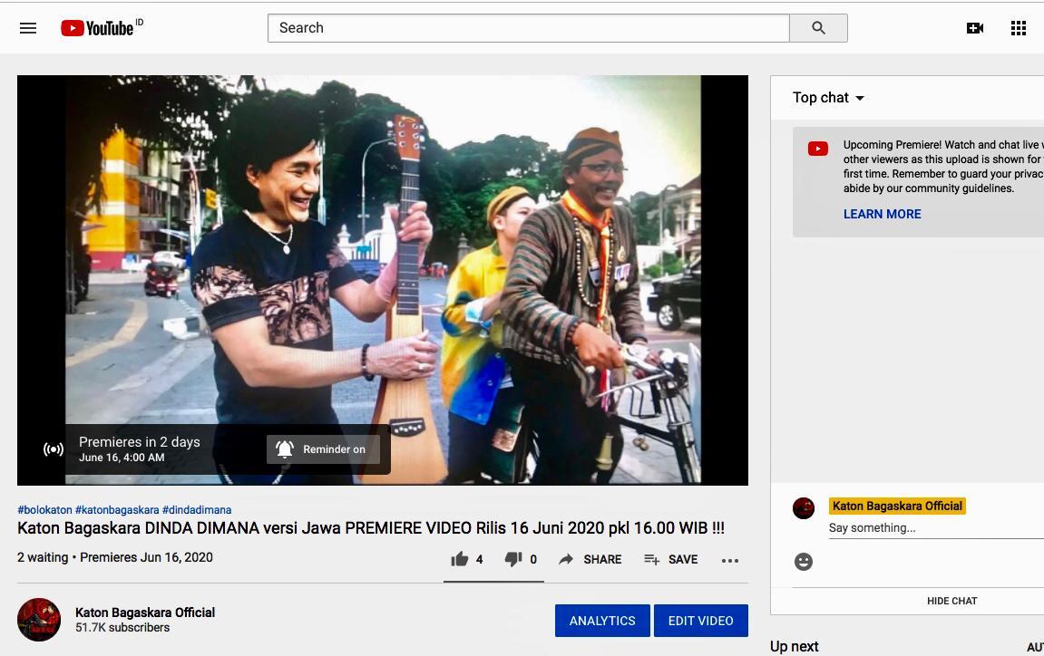 1 hari lagi di youtube Katon Bagaskara Official,Premiere Video Dinda versi Jawa yg berlokasi di kota Solo,dikerjakan semua oleh tim putra putri Solo yg bertalenta.tidak sabar 🥰 #bolokaton #katonbagaskara #dindadimana #dindadimanaversijawa #dirumahaja #musikindonesia #musik90an