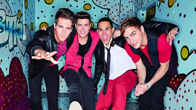 @juliaaraleigh big time rush watching right now ?