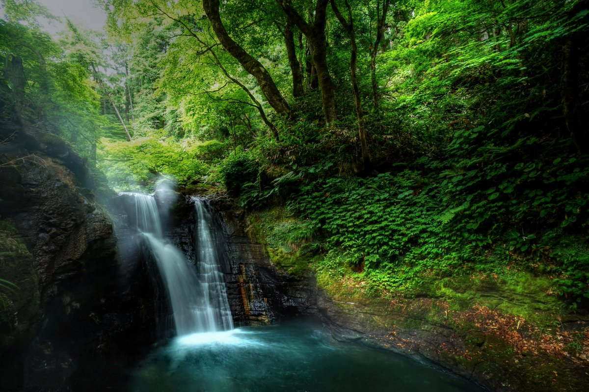 2020.6.13撮影 宮城県大崎市:鬼首「湯滝」 かんけつ泉「弁天」のすぐ近くにある滝 かんけつ泉近くで、温泉卵も作れるみたいです。 卵パック持ち歩いてる人いましたぁ。   #宮城県 #写真好きな人と繋がりたい #landscape #自然景観 #ふるさとの景色 https://t.co/Tb2gMCpZW2